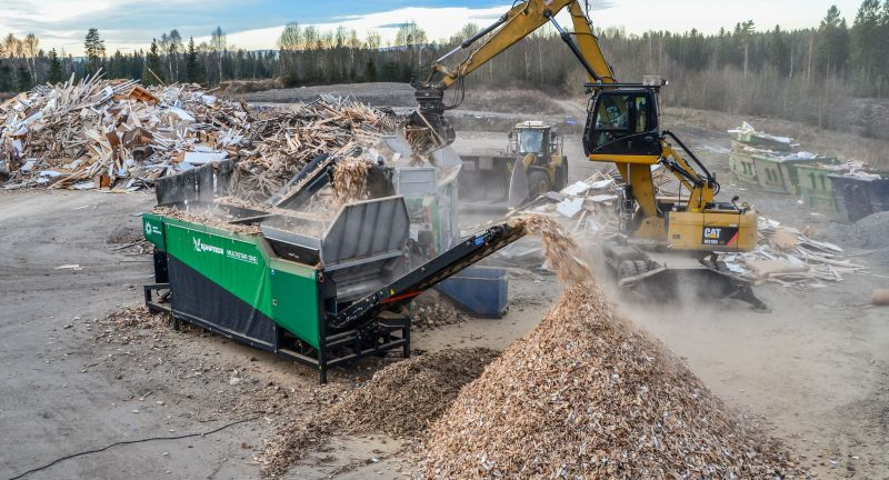 Komptech, multistar one, shredding, wood waste, biomass, biofuel