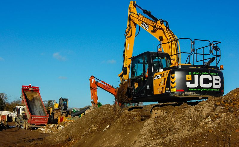 JCB Tracked Excavator Enters Service at Elbridge Farm Recycling