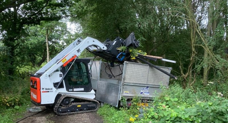 bobcat, waste, recycling, dj, cleaning, asbestos, t450, tracked, loader