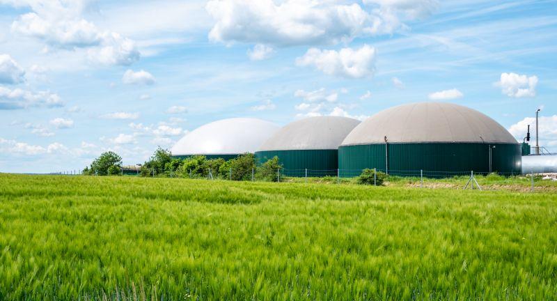 ackerbau, agrarfoto, anlage, bio, biogas, biogasanlage, biogasspeicher, deutschland, dezentrale, energie, energieerzeugung, erneuerbare, ernte, fermenter, gebäude, generator, getreide, getreidefeld, grün, gärbehälter, industrie, kraftwerk, landwirtschaft, luftaufnahme, motor, neu, regenerativ, stromerzeugung, turbine, umwelt, biogasanlage, biogas, ackerbau, agrarfoto, anlage, bio, biogasspeicher, deutschland, dezentrale, energie, energieerzeugung, erneuerbare, ernte, fermenter, gebäude, generator, getreide, getreidefeld, grün, gärbehälter, industrie, kraftwerk, landwirtschaft, luftaufnahme, motor, neu, regenerativ, stromerzeugung, turbine, umweltschutz