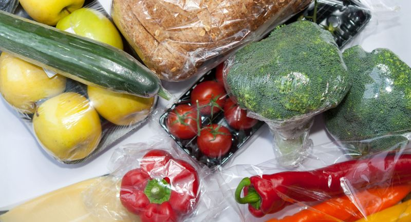 food, vegetable, tomato, vegetables, healthy, fresh, pepper, cucumber, green, salad, red, vegetarian, isolated, diet, white, fruit, onion, raw, organic, meal, tomatoes, ripe, garlic, ingredient, nutrition, plastic, transparent, packing, protection, unnecessary, colorful, mix, package, background, wrapped